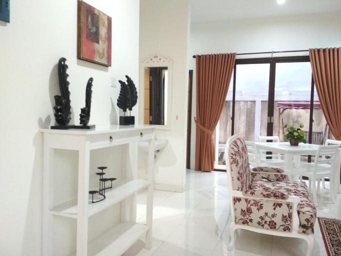 Designer Home Discovery, Sektor 9 Bintaro , Tangerang Selatan