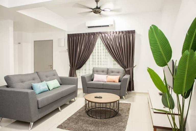 House of Happiness- Spacious 2.5 Story Homestay, Kuala Selangor