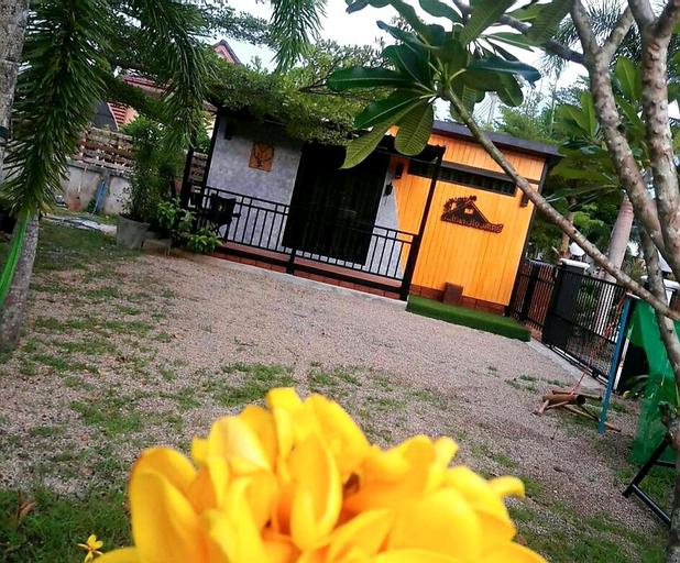 Bankaidang (บ้านไก่แดง@พรรั้ง), Muang Ranong