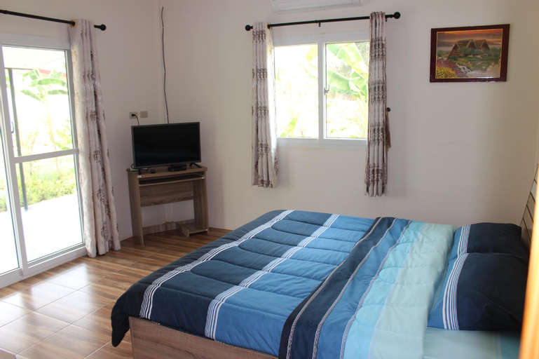 Private 2 bedroom villa with Swimming pool, Phen