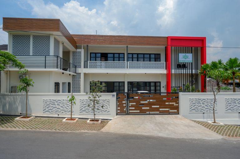 KoolKost Syariah near Kawasan Industri Candi Gatot Subroto, Semarang