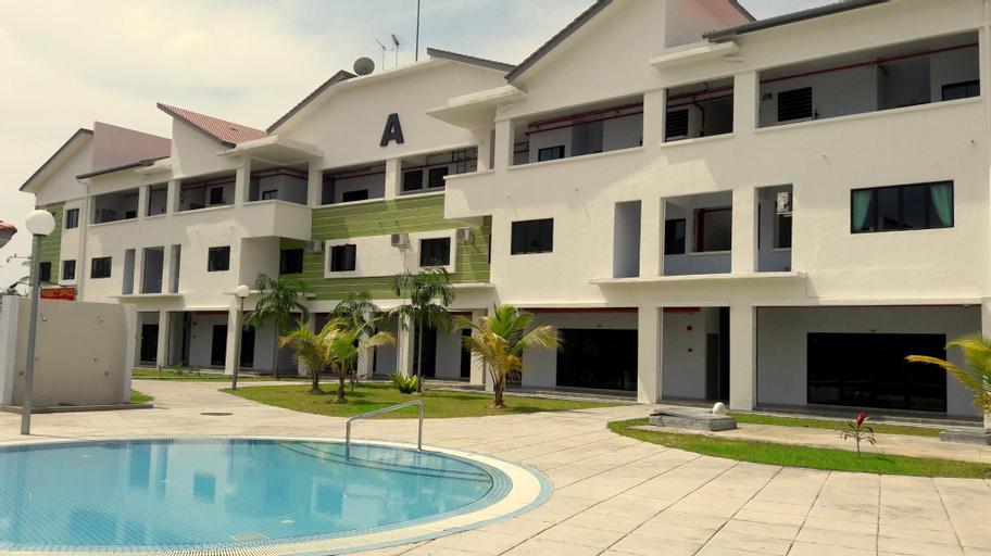 Lot 10 Fun House, Manjung