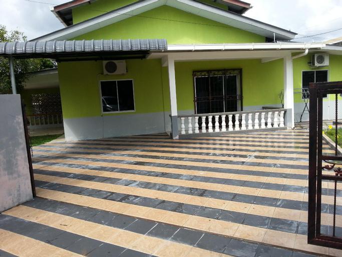 Budget Umi Homes Kuching 4 Bedrooms, Kuching