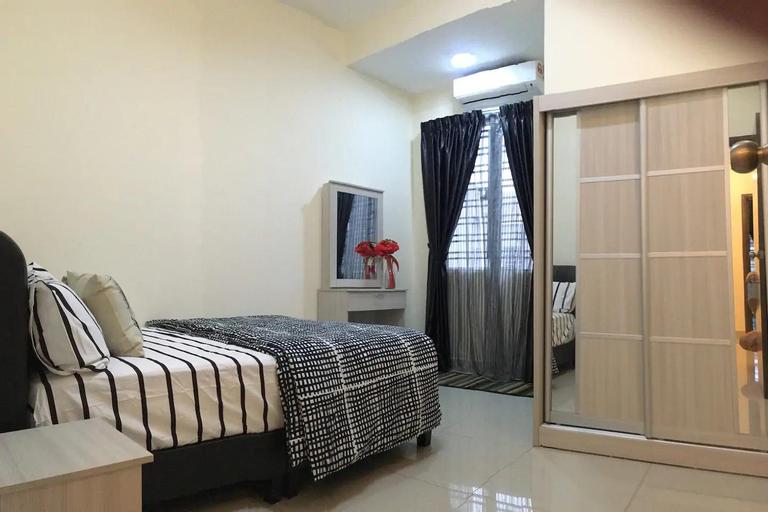 No 81 PRIVATE ROOM SITIAWAN BUNGA RAYA +WIFI, Manjung