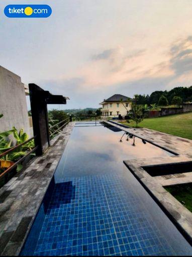 Imperial The V - Private Pool Villa at Sentul City, Bogor