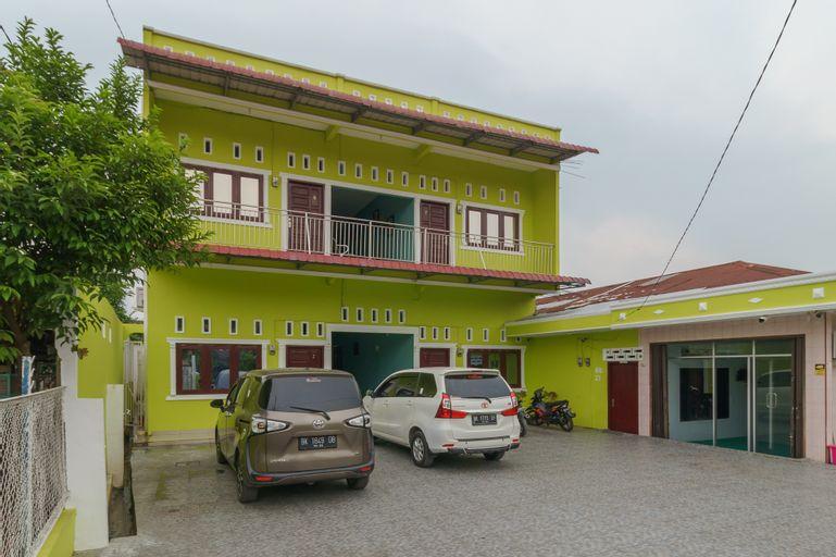 RedDoorz Syariah near UISU Medan, Medan