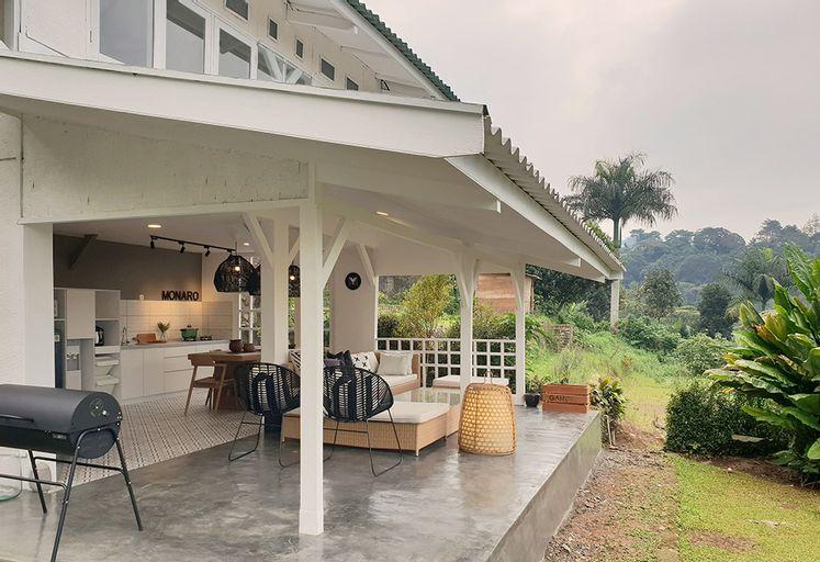 Villa Memory-Modern White open kitchen, Bogor