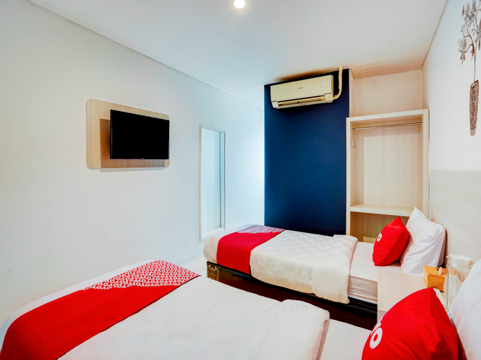OYO Capital O 90176 Lg Hotel Jember, Jember