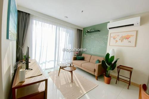 OPAHOME@ Timurbay Seafront Residence 2BR Family suite Seaview and Poolview, Kuantan
