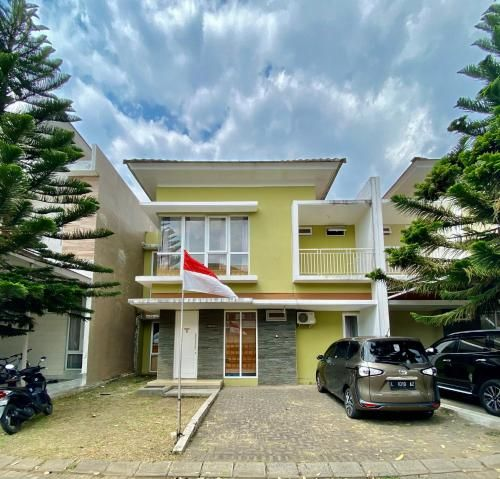 3 Bedroom Villa at Springhill Garden Malang, Malang