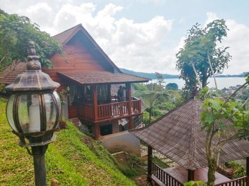 Flower Hill Villa Bali 'Villa Bukit Berbunga Bali', Tabanan