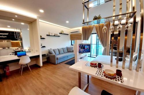 Symphony Tower Studio # 3 ( With Balcony ), Hulu Langat