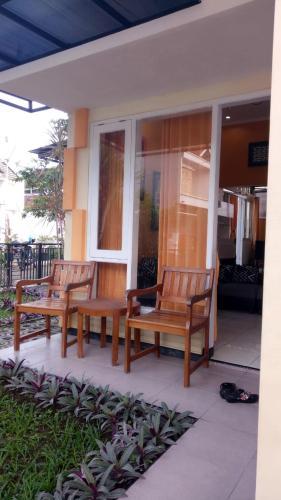 Alura Villa 2 Bedrooms Batu, Malang