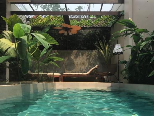 Do Not Book This Place, Jakarta Selatan