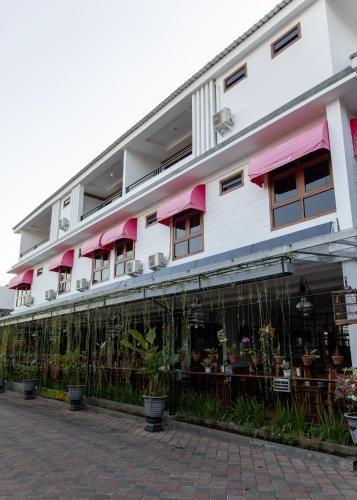 Baratha Hotel & Resto, Bondowoso