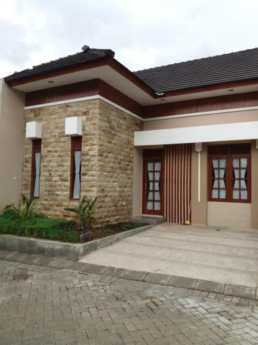 Villa Panderman 6, Malang