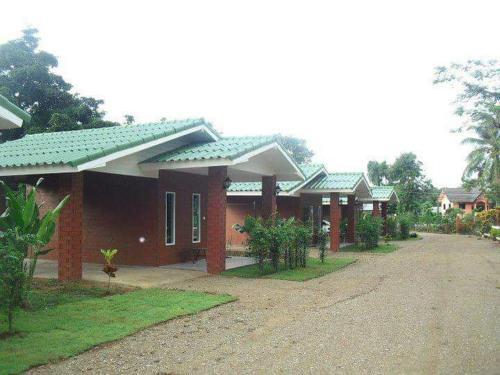 โรงแรม กานดาการ์เด้น, Tha Sae