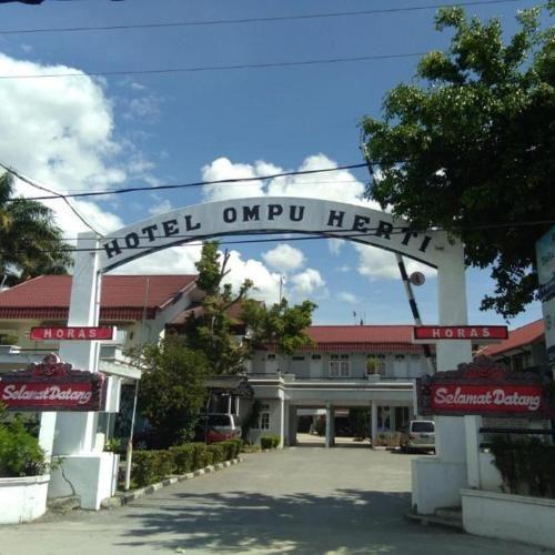 Hotel Ompu Herti, Toba