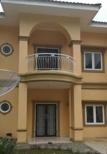 Villa Brastagi Resort Jalan Mimpin Tua Blok C No. 41, Karo