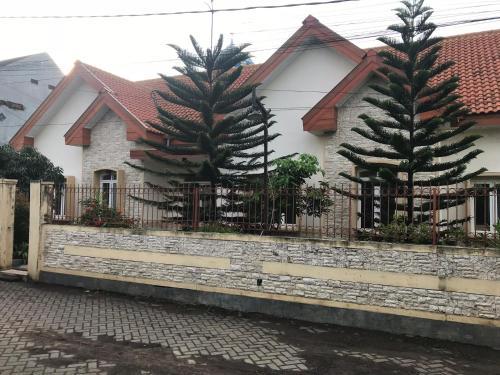 holland homestay, Malang