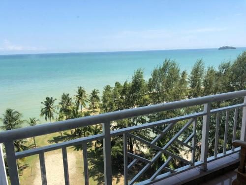 corus paradise resort, penthouse 3 bedroom family apartment, Port Dickson