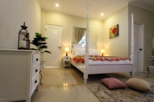 Omah Madam Bed and Breakfast, Semarang