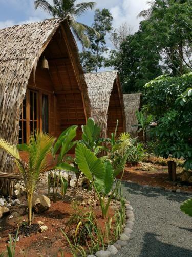 Coconut Tree Cottages, Pangandaran