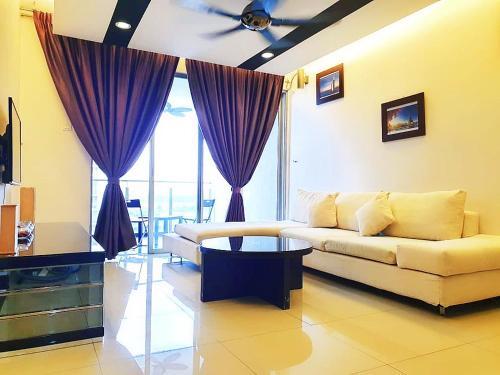 Mayfair Luxury Condo Homestay @ Puchong (5 ~ 7pax), Kuala Lumpur