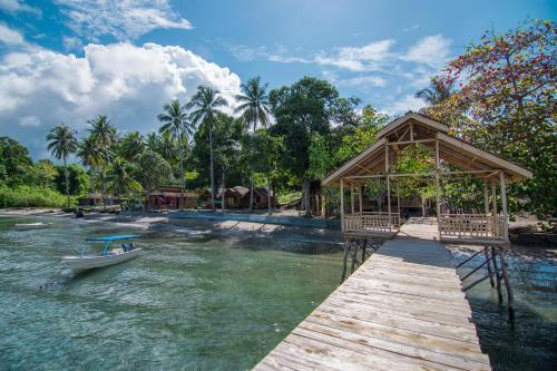 Pristine Paradise Dive Resort Una Una, Tojo Una-Una