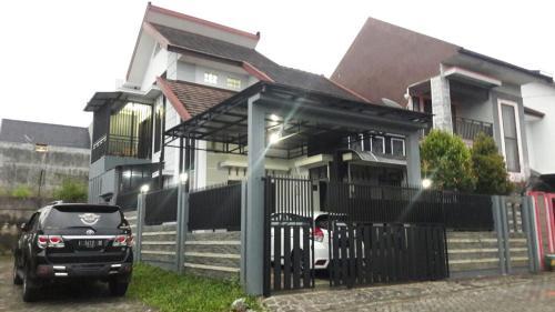 Villa Pesanggrahan Kusuma Batu, Malang