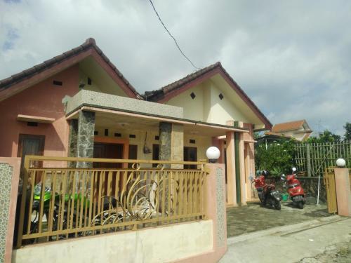 Rakazy Homestay, Malang