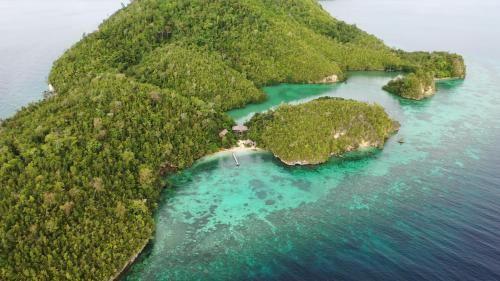 Ale beach Togean Islands, Tojo Una-Una