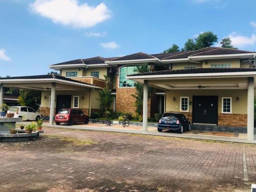 Uncle Ben Villa, Penampang