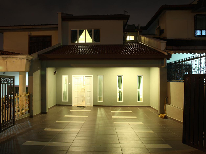 Leisure Home Stay @ Taman Segar, Kuala Lumpur