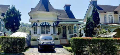 Villa kembar, Cianjur