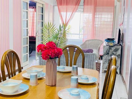 Corus paradise resort, 2 Bedroom Apartment. Seaview & beachfront. Family friendly unit., Port Dickson
