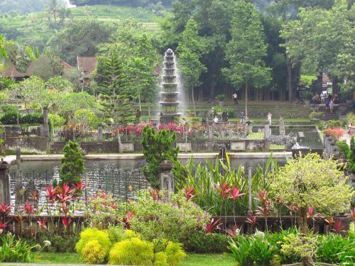 Dhangin Taman, Karangasem