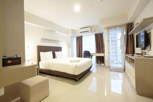 Modern Studio The H Residence near MT Haryono By Travelio, East Jakarta