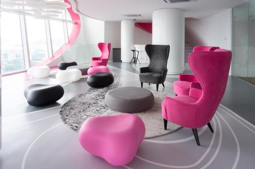 FIVE STARS Designer Suite ||五星设计套房 Near Airport近机场, Pulau Penang