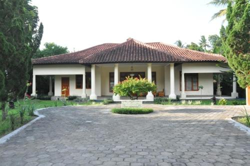 Villa Bugis Kalibaru, Banyuwangi