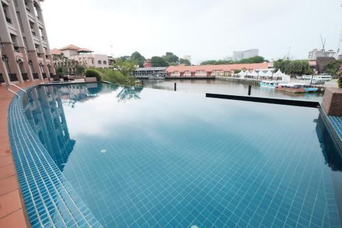Luxury on Melaka River, Kota Melaka