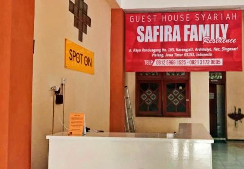 Guest House Safira Family Residence, Malang