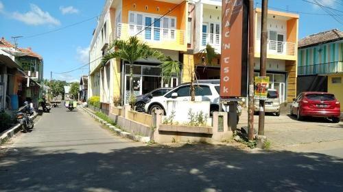 A'ISY DHASYAD KOST'NCAFE, Malang