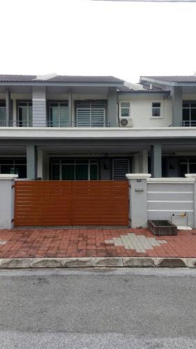Cozy Home Stay at Gunung Lang, Kinta