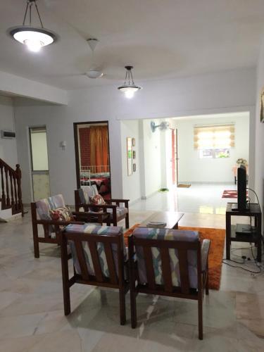 2-Storey House Bandar Tasik Selatan Homestay, Kuala Lumpur