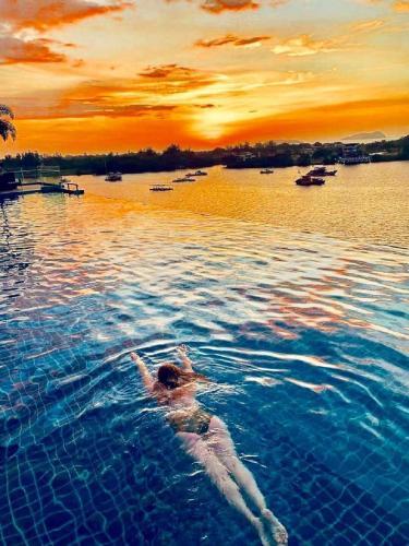 Royal Traveller Suite @ KK Cozy Oceanus, Kota Kinabalu