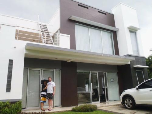 Villa Kaca, Pandeglang