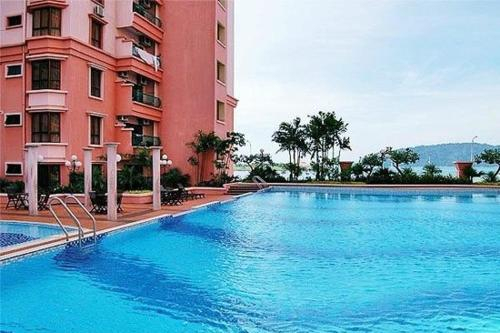 SEP8, 6Paxes, 3BR, 2BTRM Heart of City, Semi Seaview, City Waterfront from couch, Kota Kinabalu