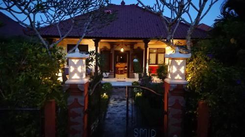 Jasri Beach Villa Rumah 11, Karangasem