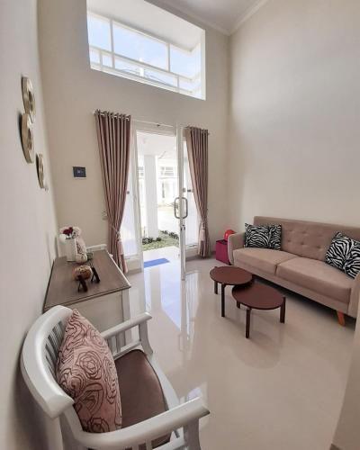 Villa Blossom Kayana Regency E7, Malang